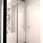 зеркальный шкаф-купе в прихожей