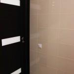 дверь из туалета профремонт