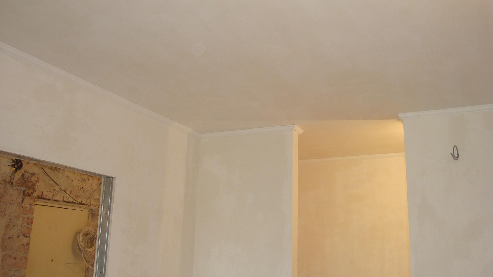 Выравнивание стен и потолка в квартире в Ялте