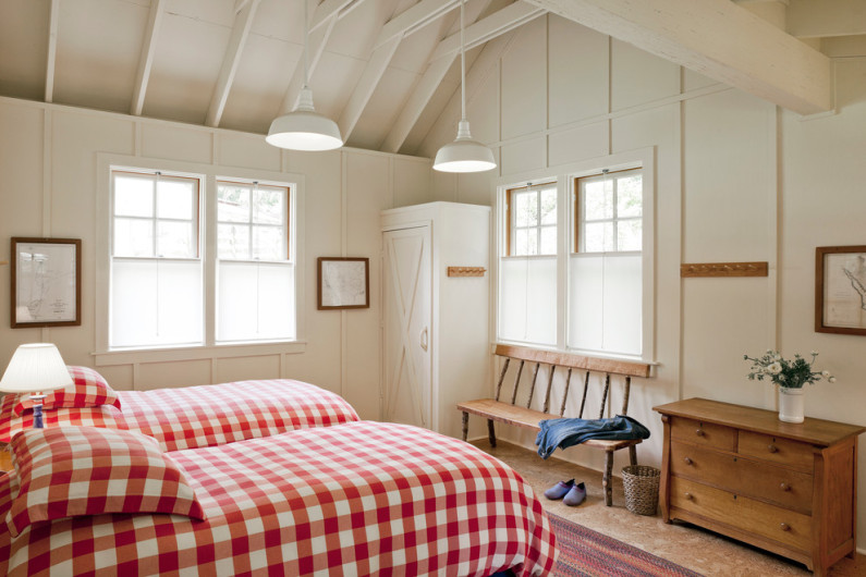 farmhouse-bedroom1-795x530