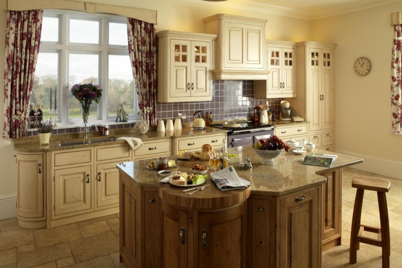 traditional-kitchen-15-795x530