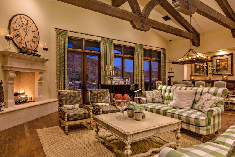 traditional-living-room1-795x530