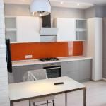 фото кухни и столовой слева