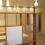 шкаф разделяет пространство